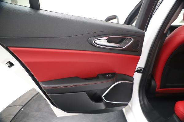 New 2020 Alfa Romeo Giulia Q4 for sale $44,845 at Alfa Romeo of Greenwich in Greenwich CT 06830 21