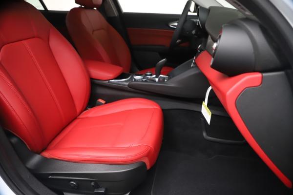 New 2020 Alfa Romeo Giulia Q4 for sale $44,845 at Alfa Romeo of Greenwich in Greenwich CT 06830 24