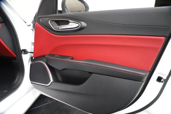 New 2020 Alfa Romeo Giulia Q4 for sale $44,845 at Alfa Romeo of Greenwich in Greenwich CT 06830 25
