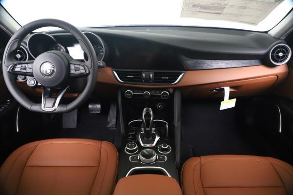 New 2020 Alfa Romeo Giulia Q4 for sale Sold at Alfa Romeo of Greenwich in Greenwich CT 06830 16