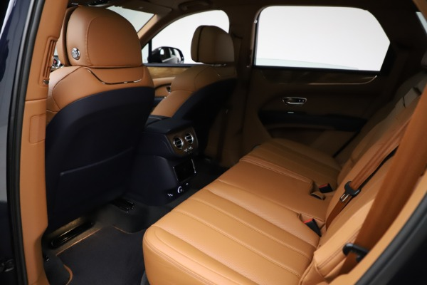 New 2021 Bentley Bentayga V8 for sale $203,205 at Alfa Romeo of Greenwich in Greenwich CT 06830 21