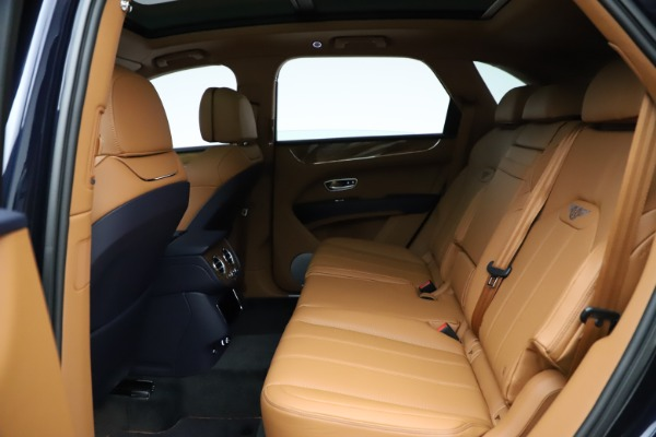 New 2021 Bentley Bentayga V8 for sale $203,205 at Alfa Romeo of Greenwich in Greenwich CT 06830 22