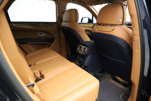 New 2021 Bentley Bentayga V8 for sale $203,205 at Alfa Romeo of Greenwich in Greenwich CT 06830 28