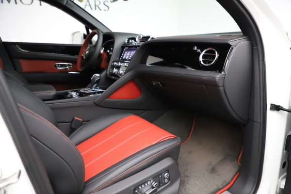 New 2021 Bentley Bentayga V8 for sale Sold at Alfa Romeo of Greenwich in Greenwich CT 06830 28