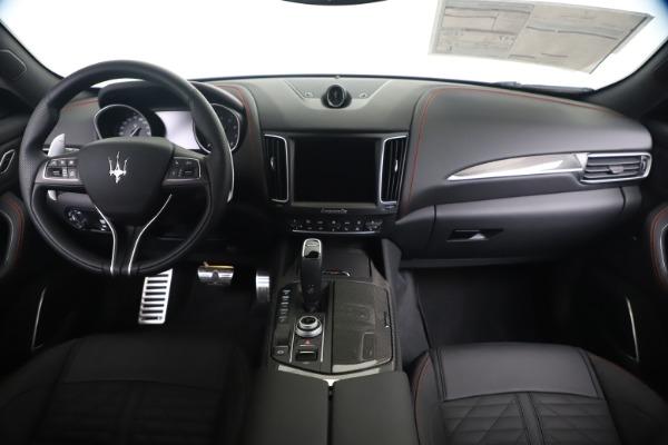 New 2020 Maserati Levante S Q4 GranSport for sale $102,985 at Alfa Romeo of Greenwich in Greenwich CT 06830 16