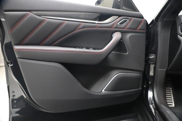 New 2020 Maserati Levante S Q4 GranSport for sale $102,985 at Alfa Romeo of Greenwich in Greenwich CT 06830 17