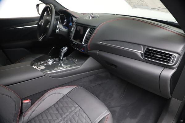 New 2020 Maserati Levante S Q4 GranSport for sale $102,985 at Alfa Romeo of Greenwich in Greenwich CT 06830 22