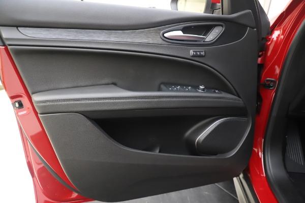 New 2020 Alfa Romeo Stelvio Q4 for sale $47,645 at Alfa Romeo of Greenwich in Greenwich CT 06830 17