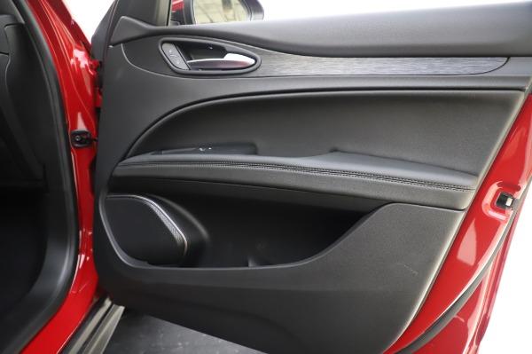 New 2020 Alfa Romeo Stelvio Q4 for sale $47,645 at Alfa Romeo of Greenwich in Greenwich CT 06830 25