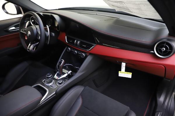 New 2020 Alfa Romeo Giulia Quadrifoglio for sale $87,445 at Alfa Romeo of Greenwich in Greenwich CT 06830 23