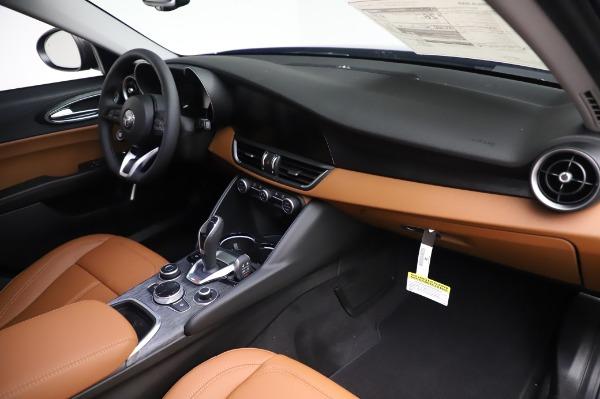 New 2020 Alfa Romeo Giulia Q4 for sale $47,845 at Alfa Romeo of Greenwich in Greenwich CT 06830 24