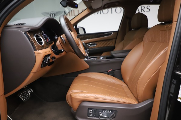 Used 2017 Bentley Bentayga W12 for sale $138,900 at Alfa Romeo of Greenwich in Greenwich CT 06830 18