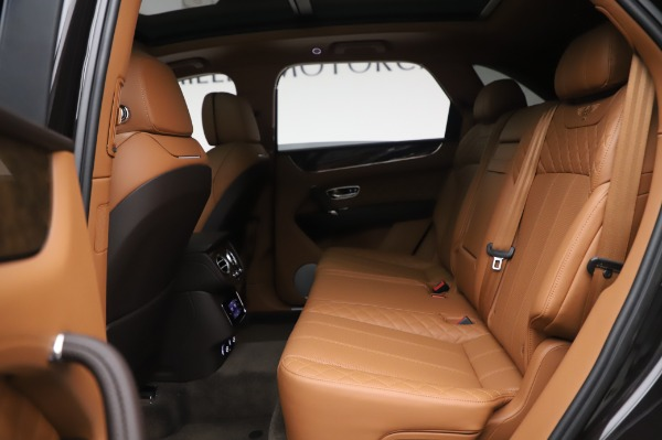 Used 2017 Bentley Bentayga W12 for sale $138,900 at Alfa Romeo of Greenwich in Greenwich CT 06830 21