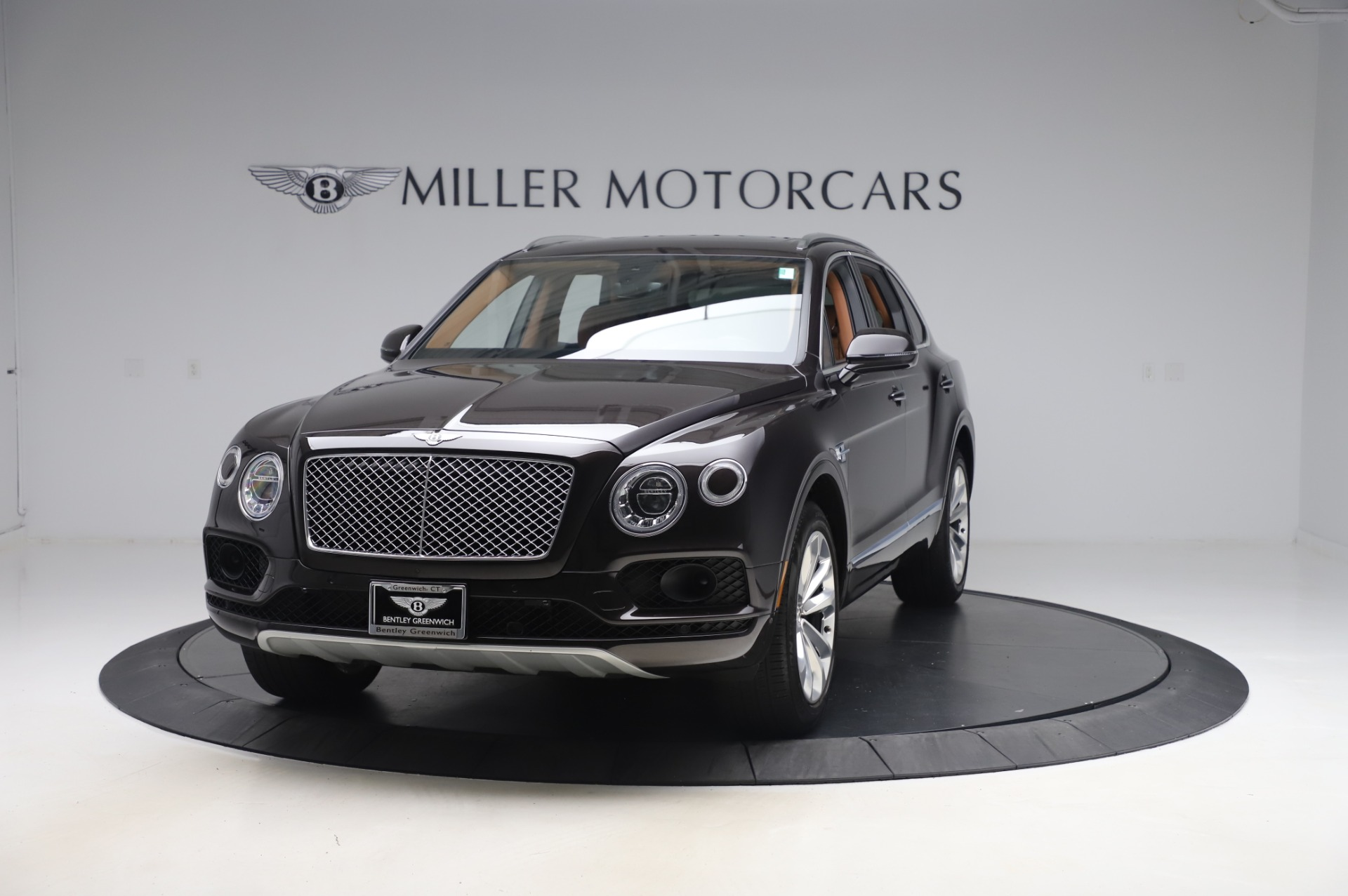 Used 2017 Bentley Bentayga W12 for sale $138,900 at Alfa Romeo of Greenwich in Greenwich CT 06830 1