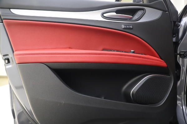 New 2020 Alfa Romeo Stelvio Sport Q4 for sale $50,945 at Alfa Romeo of Greenwich in Greenwich CT 06830 17