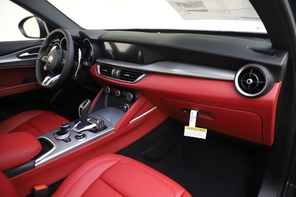 New 2020 Alfa Romeo Stelvio Sport Q4 for sale $50,945 at Alfa Romeo of Greenwich in Greenwich CT 06830 19