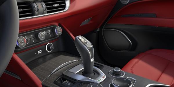 New 2020 Alfa Romeo Stelvio Ti Lusso Q4 for sale $54,145 at Alfa Romeo of Greenwich in Greenwich CT 06830 5