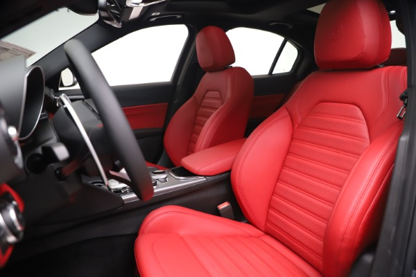 New 2020 Alfa Romeo Giulia Ti Sport Q4 for sale Sold at Alfa Romeo of Greenwich in Greenwich CT 06830 15