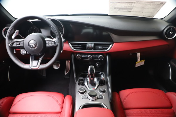 New 2020 Alfa Romeo Giulia Ti Sport Q4 for sale Sold at Alfa Romeo of Greenwich in Greenwich CT 06830 16