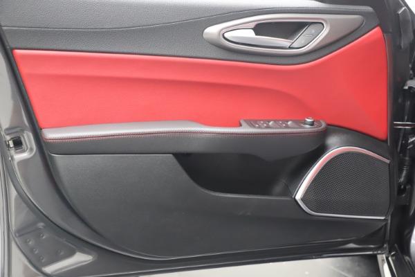 New 2020 Alfa Romeo Giulia Ti Sport Q4 for sale Sold at Alfa Romeo of Greenwich in Greenwich CT 06830 17