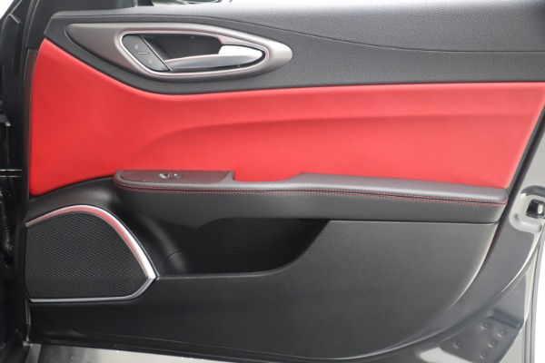 New 2020 Alfa Romeo Giulia Ti Sport Q4 for sale Sold at Alfa Romeo of Greenwich in Greenwich CT 06830 25