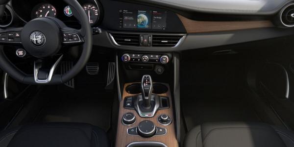 New 2020 Alfa Romeo Giulia Ti Lusso Q4 for sale Sold at Alfa Romeo of Greenwich in Greenwich CT 06830 3