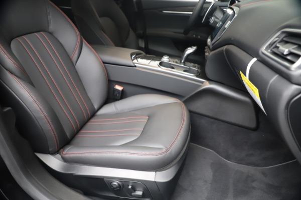 New 2020 Maserati Ghibli S Q4 for sale $87,285 at Alfa Romeo of Greenwich in Greenwich CT 06830 24