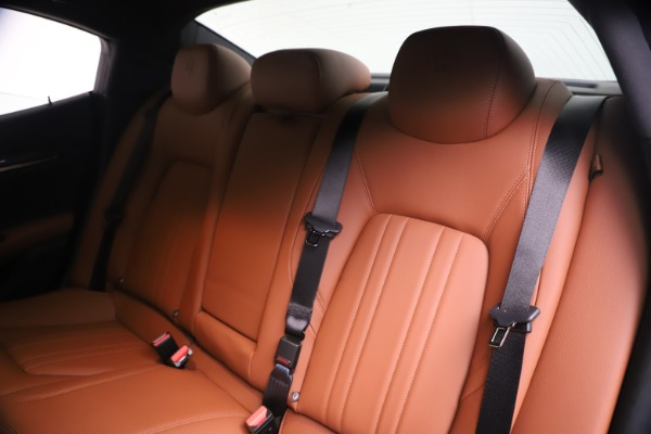 New 2020 Maserati Ghibli S Q4 for sale $87,285 at Alfa Romeo of Greenwich in Greenwich CT 06830 18