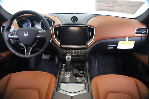 New 2020 Maserati Ghibli S Q4 for sale $84,735 at Alfa Romeo of Greenwich in Greenwich CT 06830 16