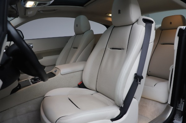 Used 2014 Rolls-Royce Wraith Base for sale $168,900 at Alfa Romeo of Greenwich in Greenwich CT 06830 13