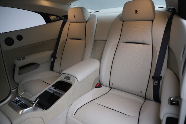 Used 2014 Rolls-Royce Wraith Base for sale $168,900 at Alfa Romeo of Greenwich in Greenwich CT 06830 15