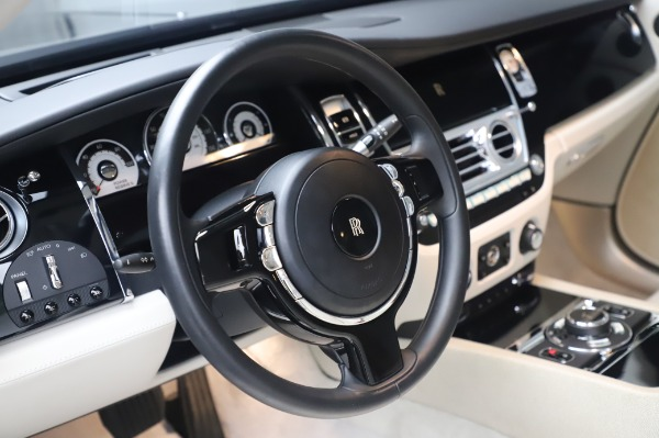 Used 2014 Rolls-Royce Wraith Base for sale $168,900 at Alfa Romeo of Greenwich in Greenwich CT 06830 16