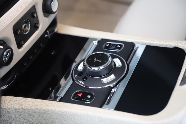Used 2014 Rolls-Royce Wraith Base for sale $168,900 at Alfa Romeo of Greenwich in Greenwich CT 06830 22