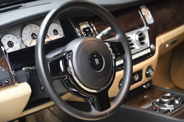 Used 2016 Rolls-Royce Ghost for sale $177,900 at Alfa Romeo of Greenwich in Greenwich CT 06830 17