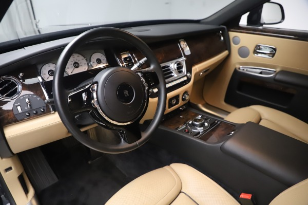 Used 2016 Rolls-Royce Ghost for sale $177,900 at Alfa Romeo of Greenwich in Greenwich CT 06830 18