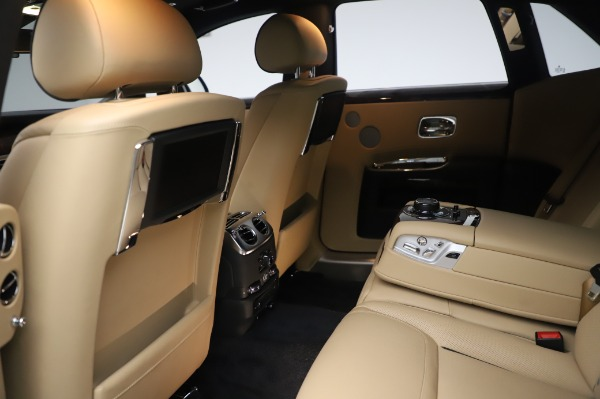 Used 2016 Rolls-Royce Ghost for sale $177,900 at Alfa Romeo of Greenwich in Greenwich CT 06830 22