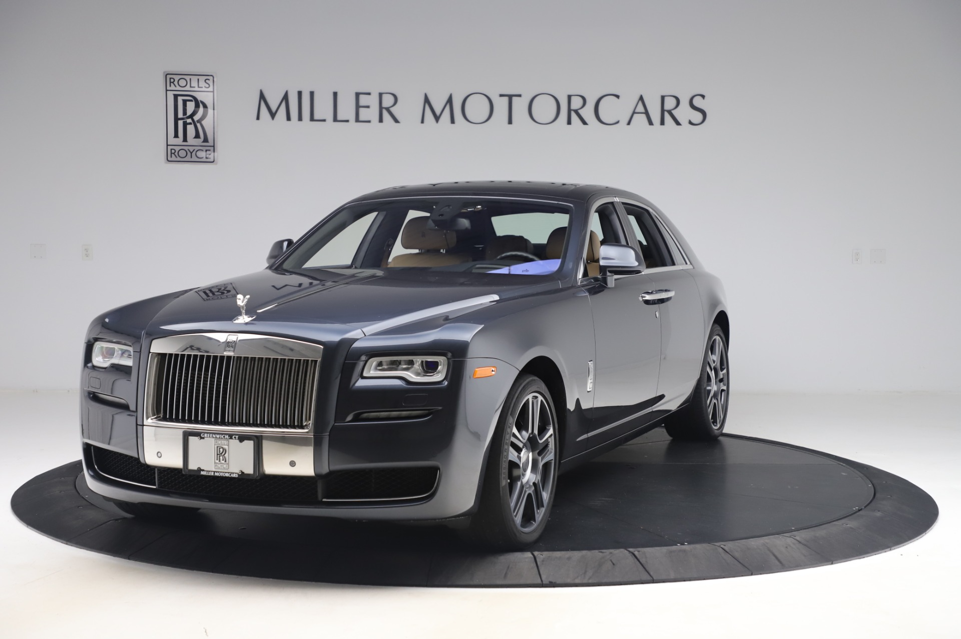 Used 2016 Rolls-Royce Ghost for sale $177,900 at Alfa Romeo of Greenwich in Greenwich CT 06830 1