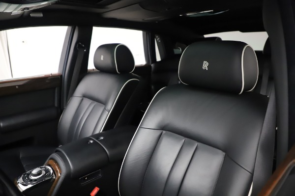 Used 2014 Rolls-Royce Phantom for sale $199,900 at Alfa Romeo of Greenwich in Greenwich CT 06830 12