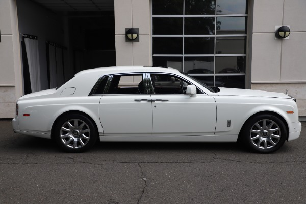 Used 2014 Rolls-Royce Phantom for sale $199,900 at Alfa Romeo of Greenwich in Greenwich CT 06830 6