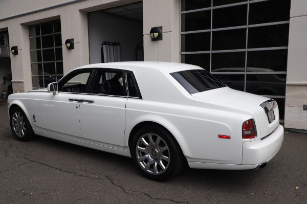 Used 2014 Rolls-Royce Phantom for sale $199,900 at Alfa Romeo of Greenwich in Greenwich CT 06830 7