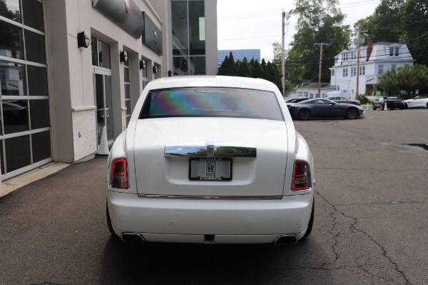 Used 2014 Rolls-Royce Phantom for sale $199,900 at Alfa Romeo of Greenwich in Greenwich CT 06830 8