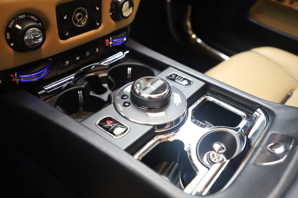 Used 2015 Rolls-Royce Wraith for sale $179,900 at Alfa Romeo of Greenwich in Greenwich CT 06830 19