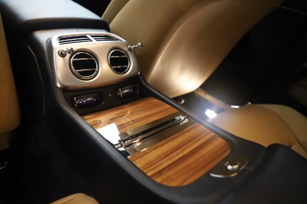 Used 2015 Rolls-Royce Wraith for sale $179,900 at Alfa Romeo of Greenwich in Greenwich CT 06830 23