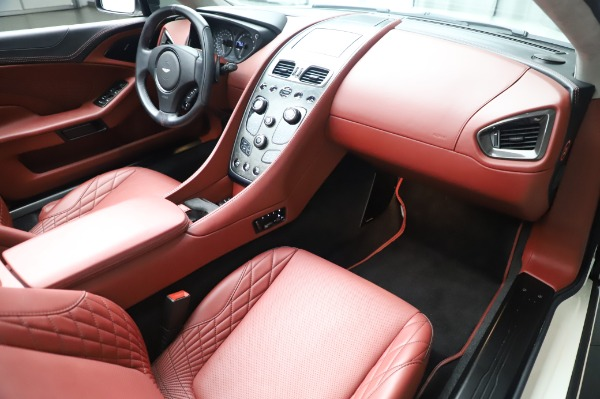 Used 2018 Aston Martin Vanquish S Volante for sale $183,900 at Alfa Romeo of Greenwich in Greenwich CT 06830 19