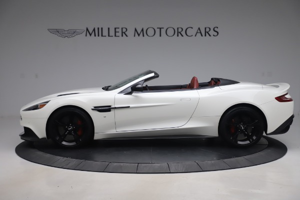 Used 2018 Aston Martin Vanquish S Volante for sale $183,900 at Alfa Romeo of Greenwich in Greenwich CT 06830 2