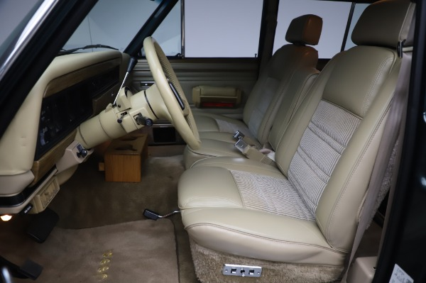 Used 1991 Jeep Grand Wagoneer for sale $89,900 at Alfa Romeo of Greenwich in Greenwich CT 06830 13