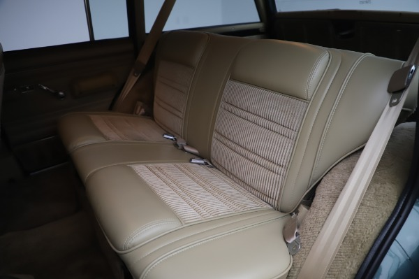 Used 1991 Jeep Grand Wagoneer for sale $89,900 at Alfa Romeo of Greenwich in Greenwich CT 06830 17