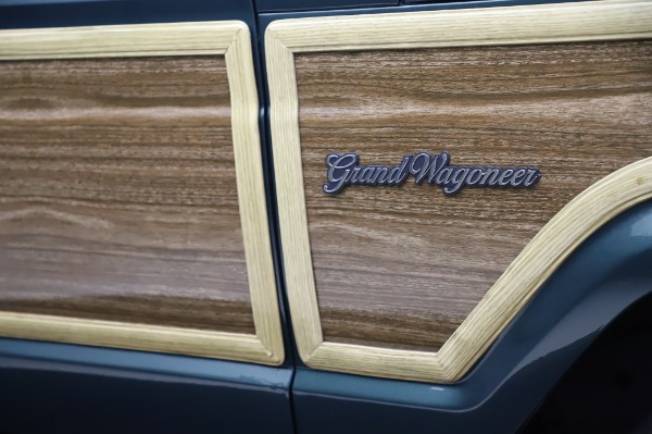 Used 1991 Jeep Grand Wagoneer for sale $89,900 at Alfa Romeo of Greenwich in Greenwich CT 06830 28