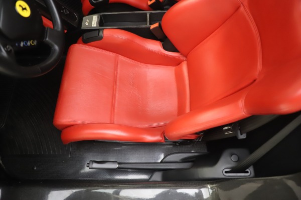 Used 2003 Ferrari Enzo for sale $3,195,000 at Alfa Romeo of Greenwich in Greenwich CT 06830 16