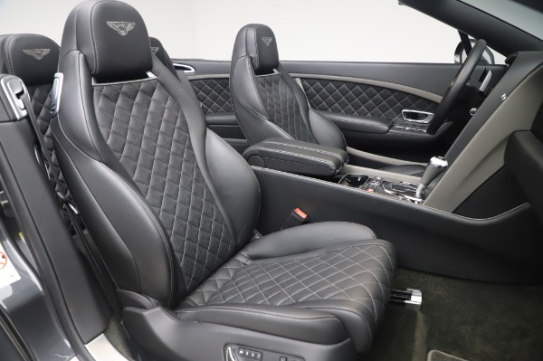 Used 2016 Bentley Continental GT Convertible Speed for sale $139,900 at Alfa Romeo of Greenwich in Greenwich CT 06830 25